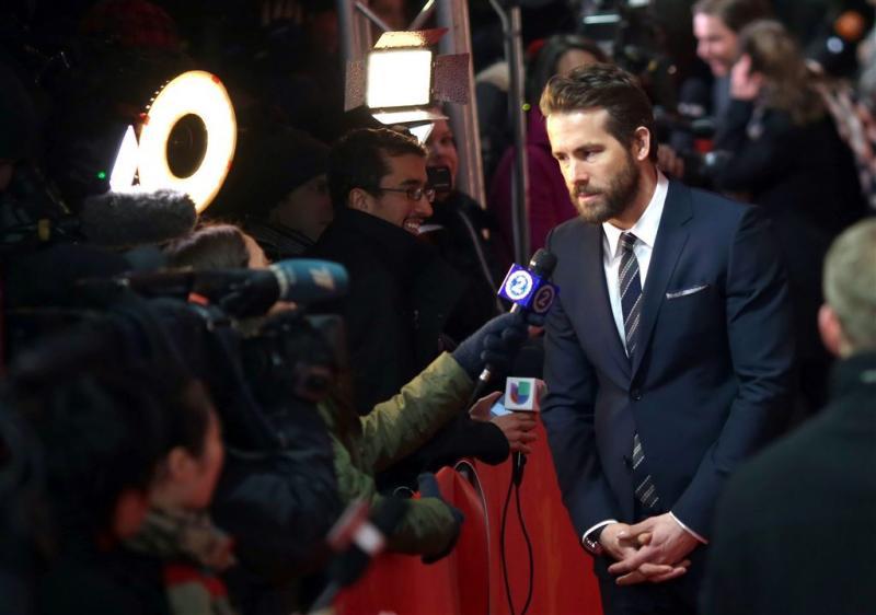 Ryan Reynolds kampeert voor deur Hugh Jackman