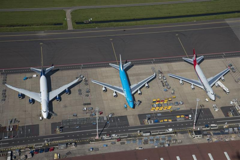 35 mensen klagen 158.000 keer over Schiphol