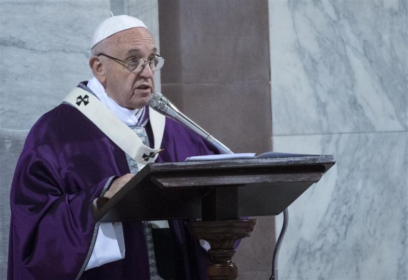 Paus ziet zich als 'feilbare zondaar'