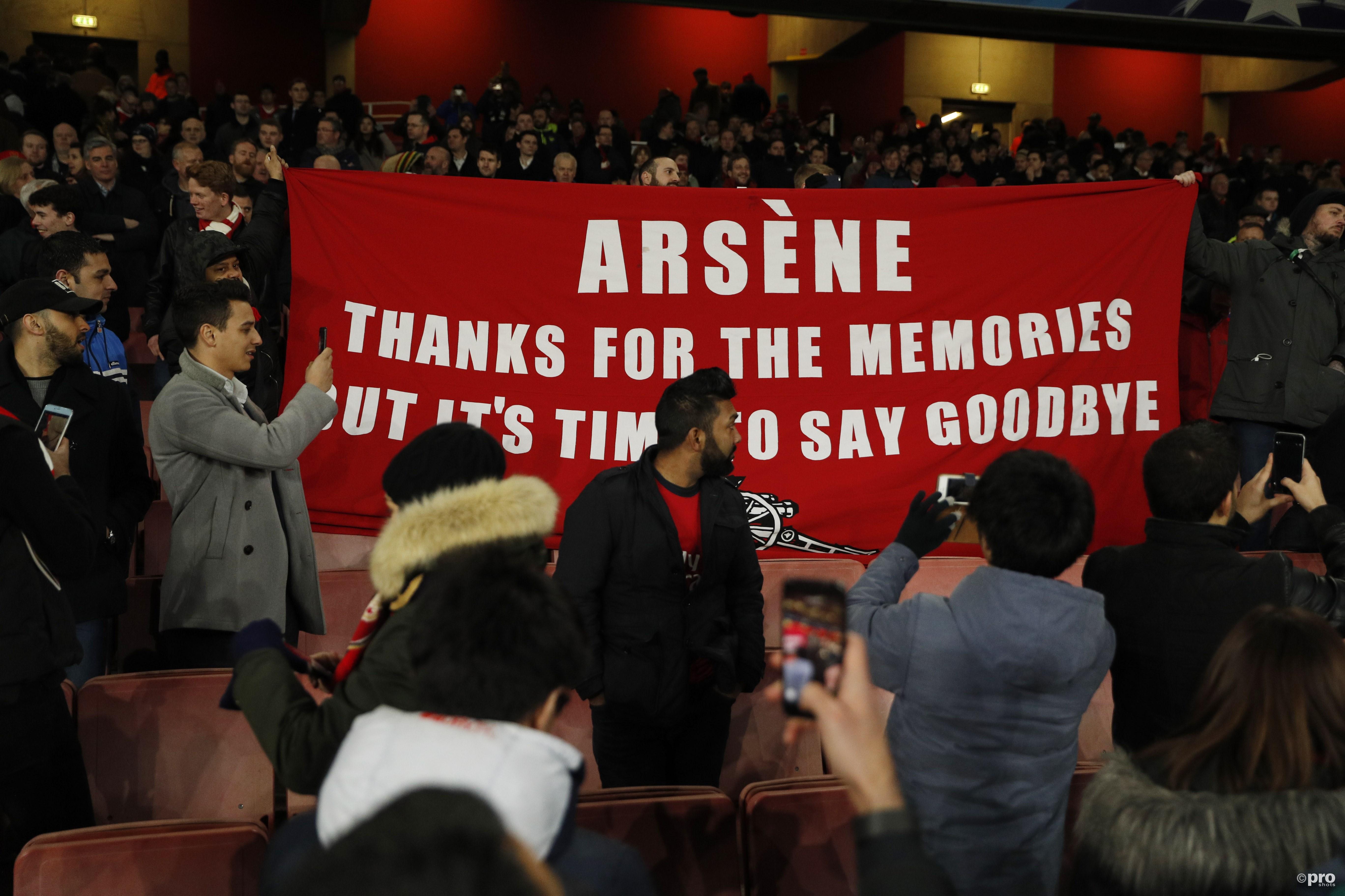 Fans in Noord-Londen zijn duidelijk wat er met de trainer moet gebeuren. (PRO SHOTS/Action Images)