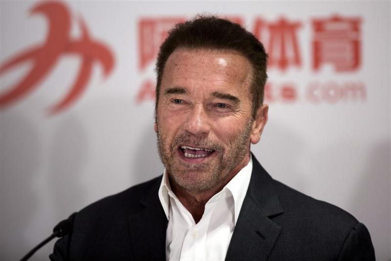 Schwarzenegger overweegt terugkeer politiek