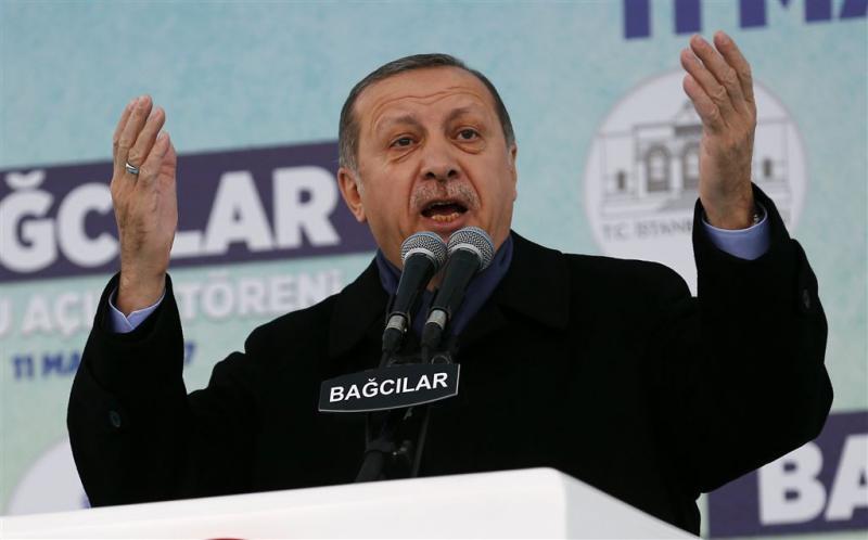Erdogan: stem niet op regering of racist