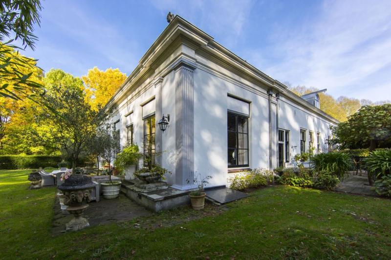 Koetshuis in 's Gravenland (Foto: Funda)