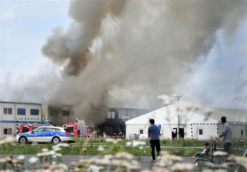 Drie asielzoekers zwaargewond bij brand