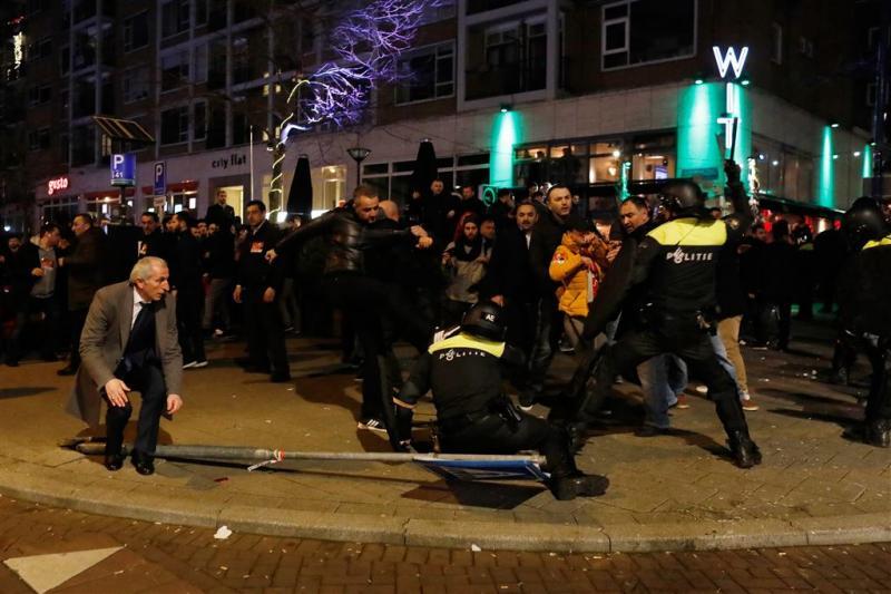 Man opgepakt voor geweld bij Turks consulaat