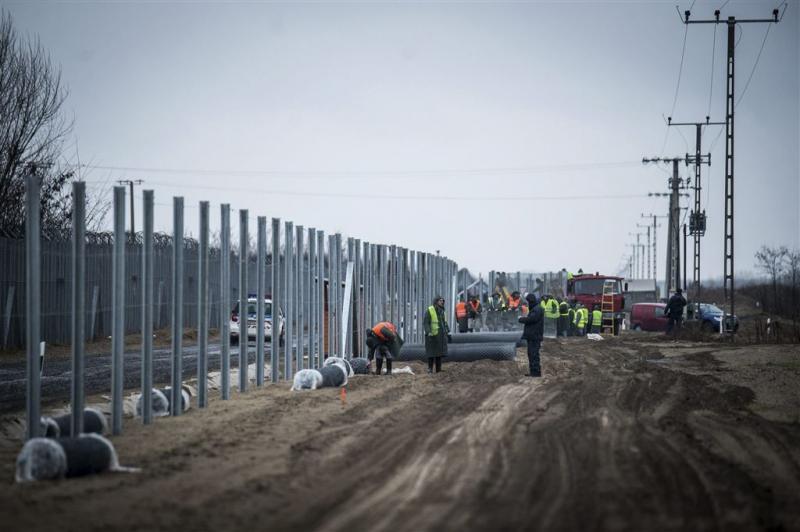 Hongarije bouwt tweede hek tegen migranten