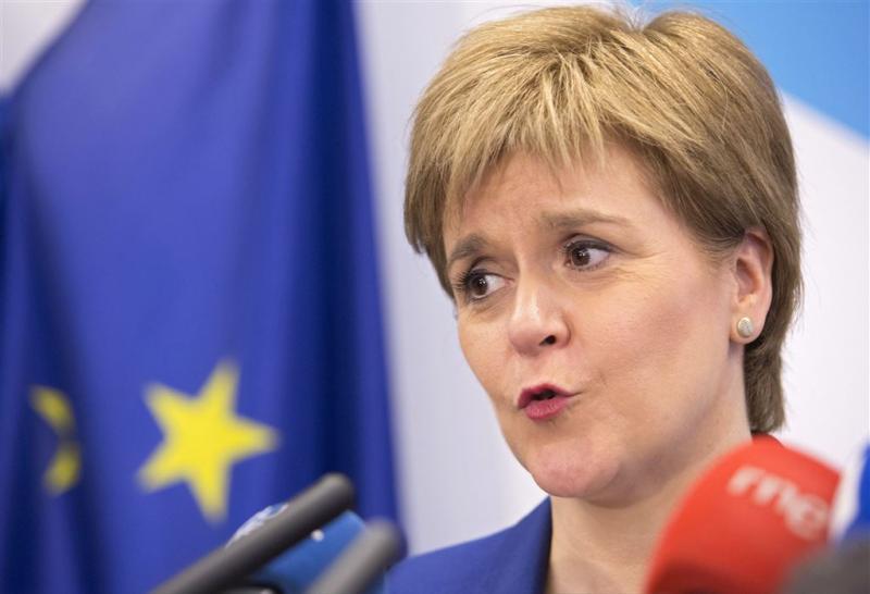 Sturgeon: kom naar Schotland