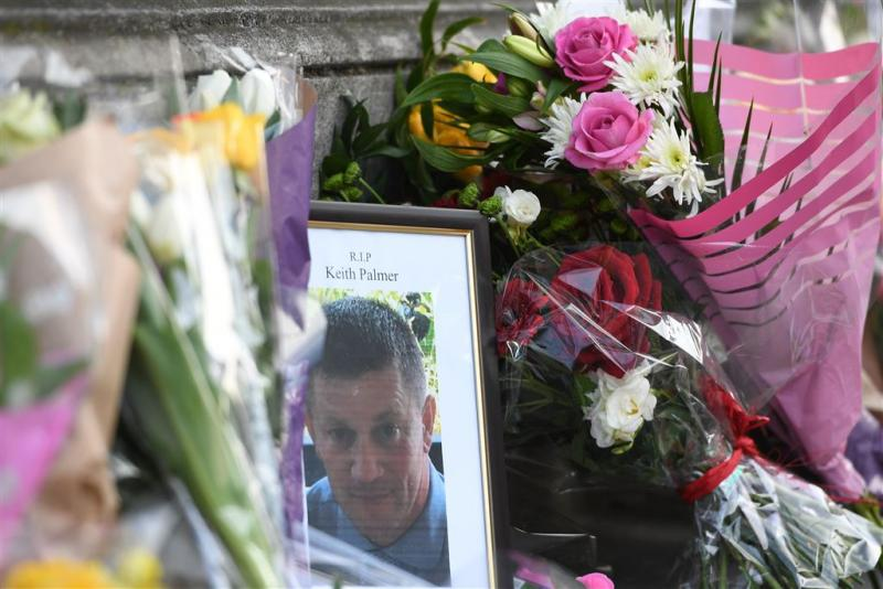 Al 400.000 euro voor vermoorde agent Londen