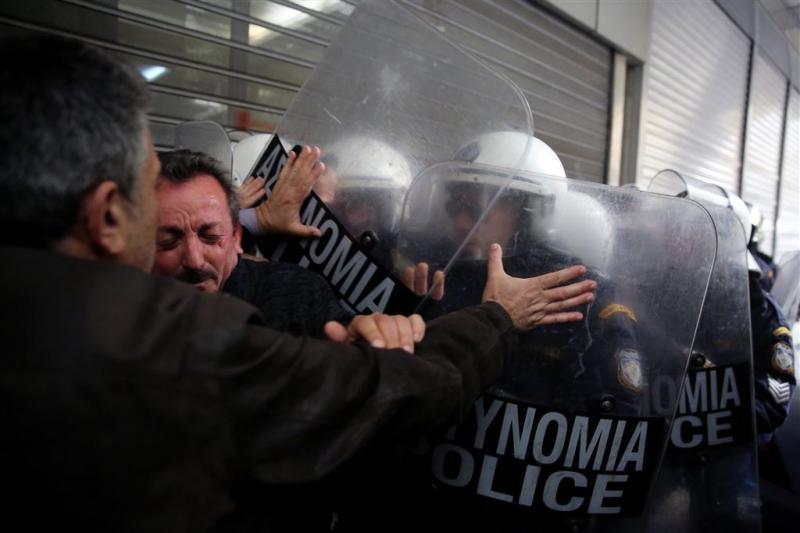 Rellen in anarchistenwijk Athene