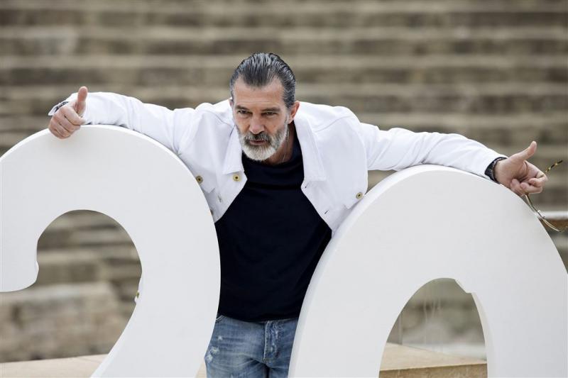 Antonio Banderas herstellende van hartaanval