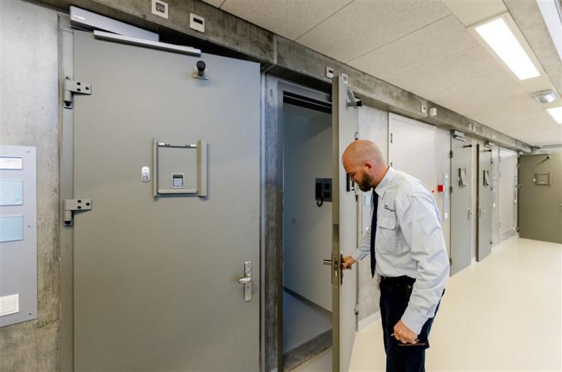 'Gevangenissen niet langer veilig'
