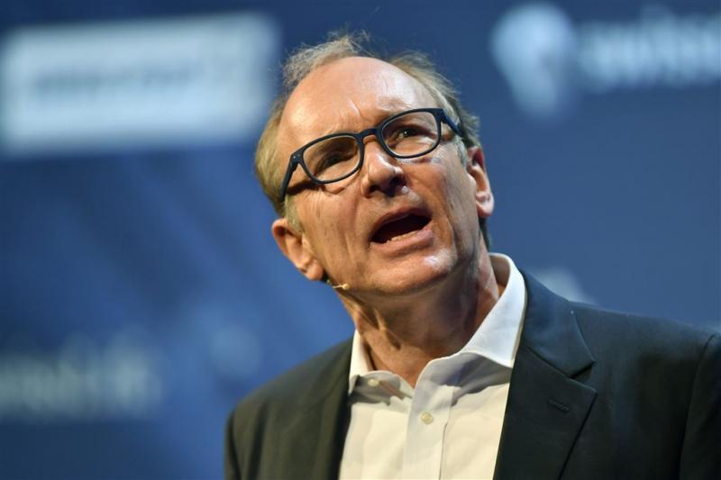 Uitvinder web krijgt 'Nobelprijs informatica'