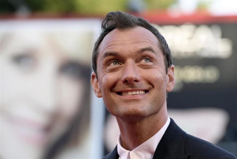Jude Law jonge Perkamentus in Potter spin-off