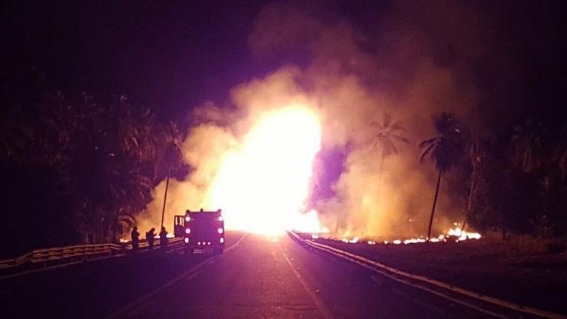 Tankwagen ontploft na botsing: meerdere doden