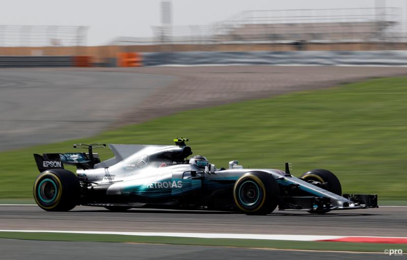 Bottas hier nog met de T-wing (voor de achtervleugel) die later op de dag afbrak (Foto: Pro Shots/Action Images)