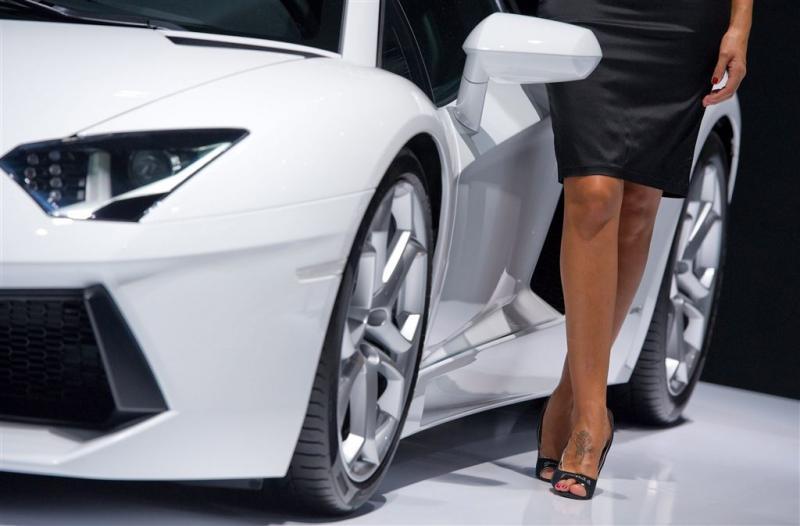 Vrouw in Lamborghini rijdt 40 op snelweg