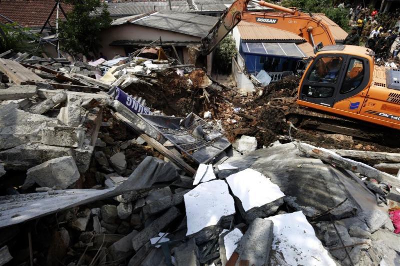 Doden na instorten afvalberg Sri Lanka