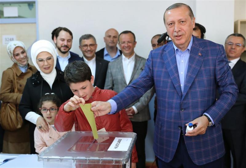 Erdogan lijkt op ruime winst af te stevenen