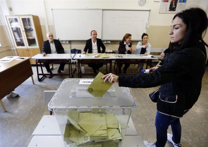Klachten over onregelmatigheden referendum