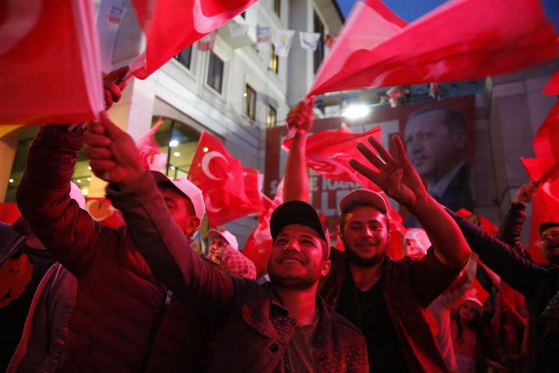 Debat dubbele pas Belgische Turken laait op