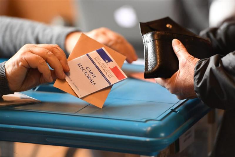 Tienduizenden beveiligers voor stembussen