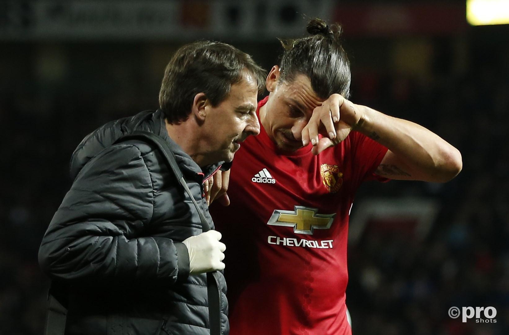 Zlatan droogt zijn tranen. (PRO SHOTS/Action Images)