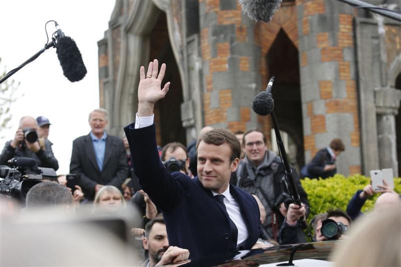 Exitpolls: Macron en Le Pen naar tweede ronde