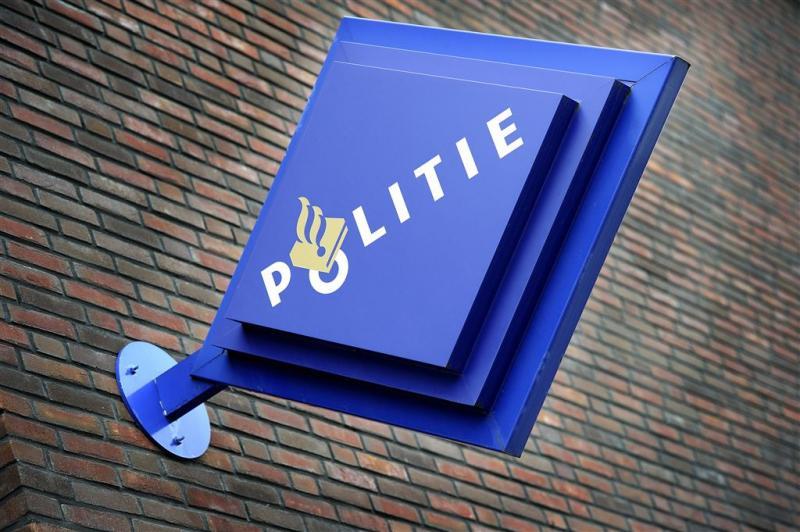 Politie Uithuizen klaagt over prikkende ogen