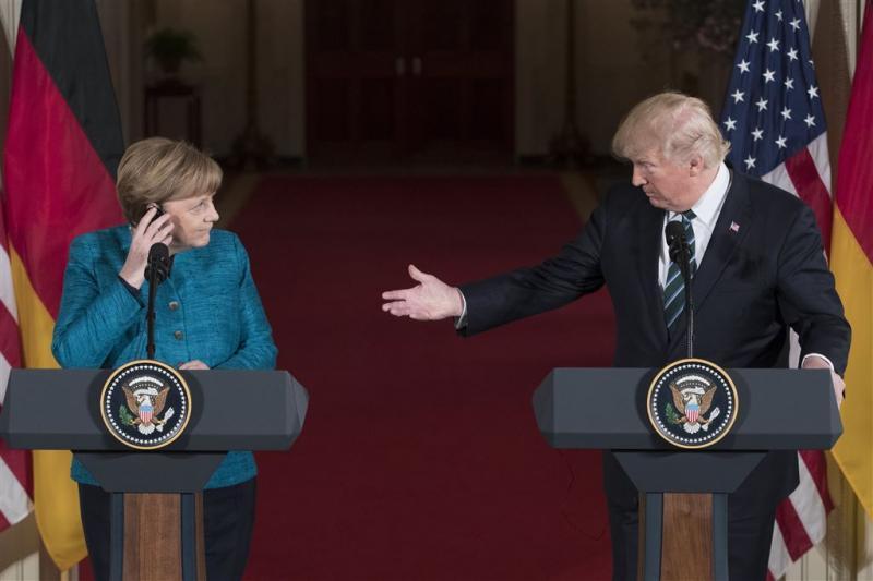 Trump en Merkel overleggen over Noord-Korea