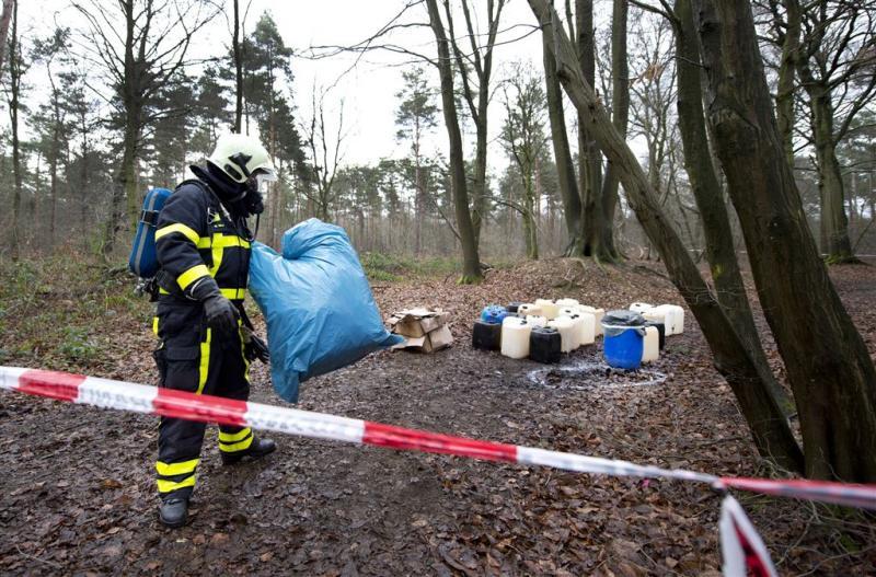 Drugsafval gedumpt in Limburgs kanaal