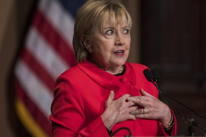 Trump en Clinton ruziën door over verkiezing