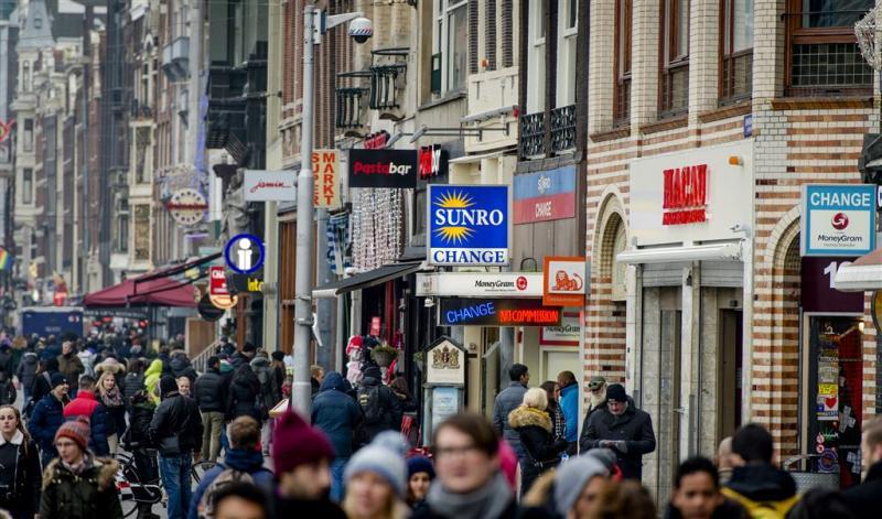 Nederlandse bevolking groeit door migratie