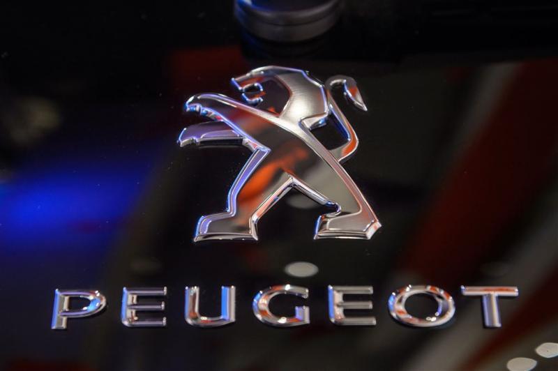 Zelfrijdende Peugot in september de weg op