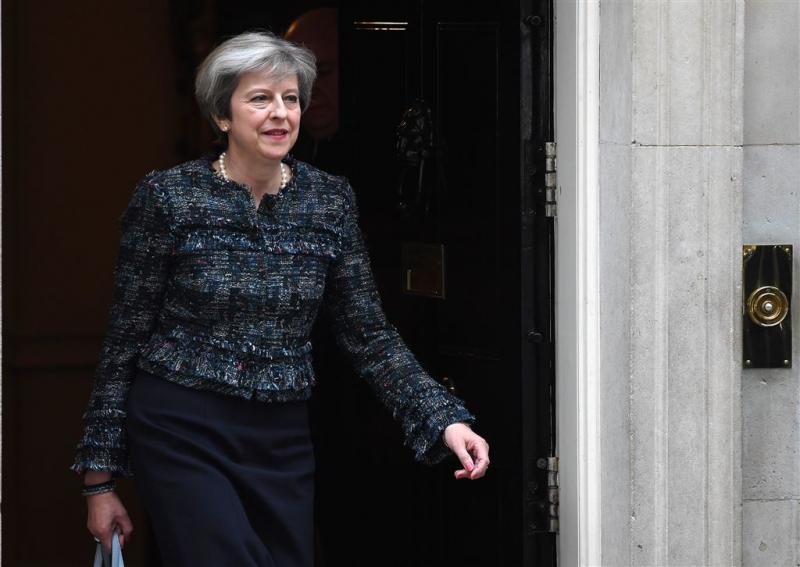 May boos om Europese 'verkiezingsbemoeienis'