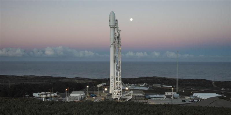 Elon Musk wil internetsatellieten lanceren
