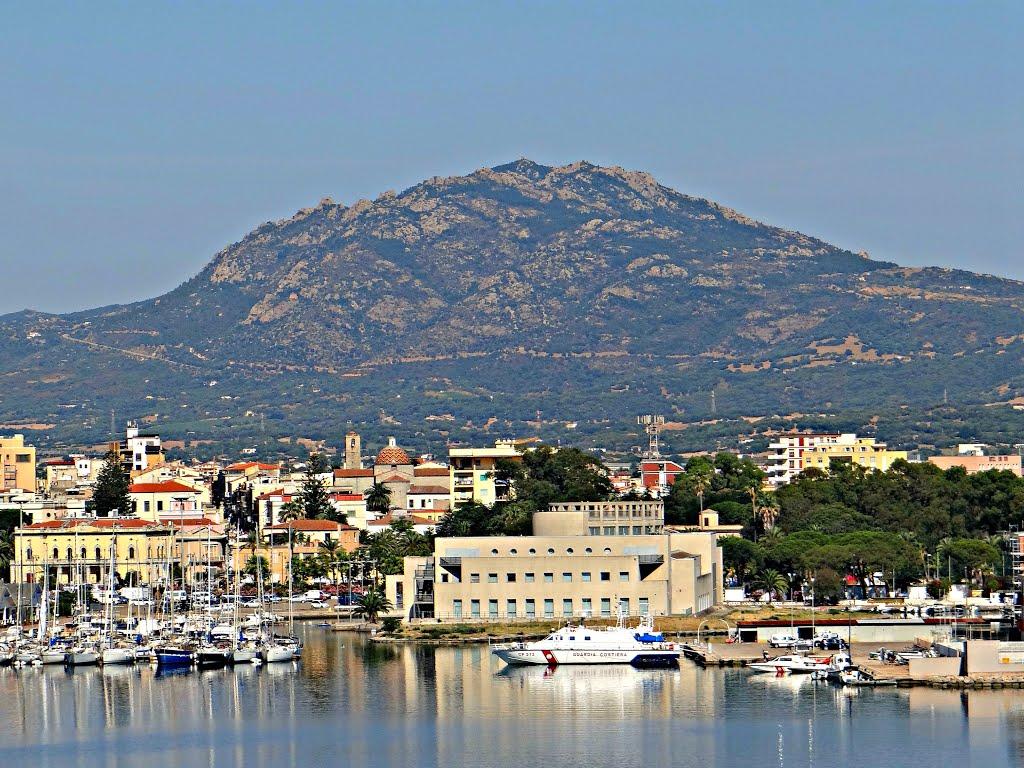Olbia, de finishplaats van vandaag (Foto: Panoramio)