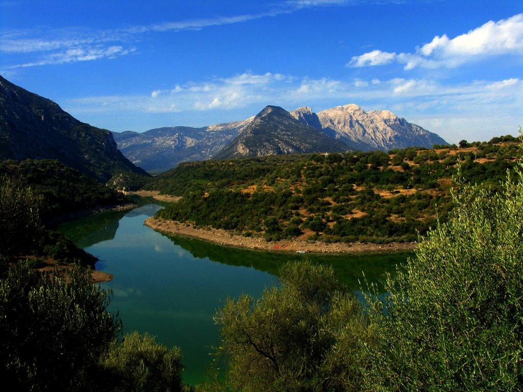 Het Lago del Cedrino (Foto: Panoramio)