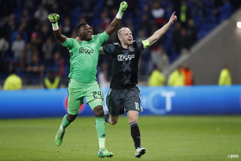 De Ajax-spelers vieren feest (Pro Shots / Stanley Gontha)
