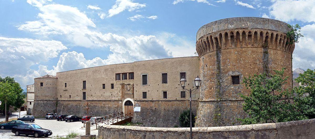 Een kasteel in Castrovillari (Foto: WikiCommons)
