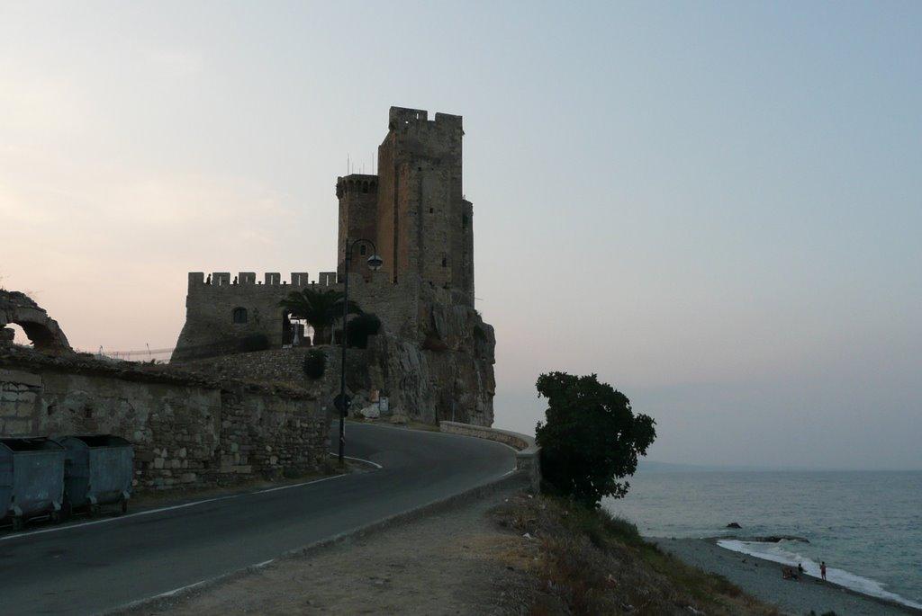 Mooi kasteel in Borgata Marina (Foto: Panoramio)
