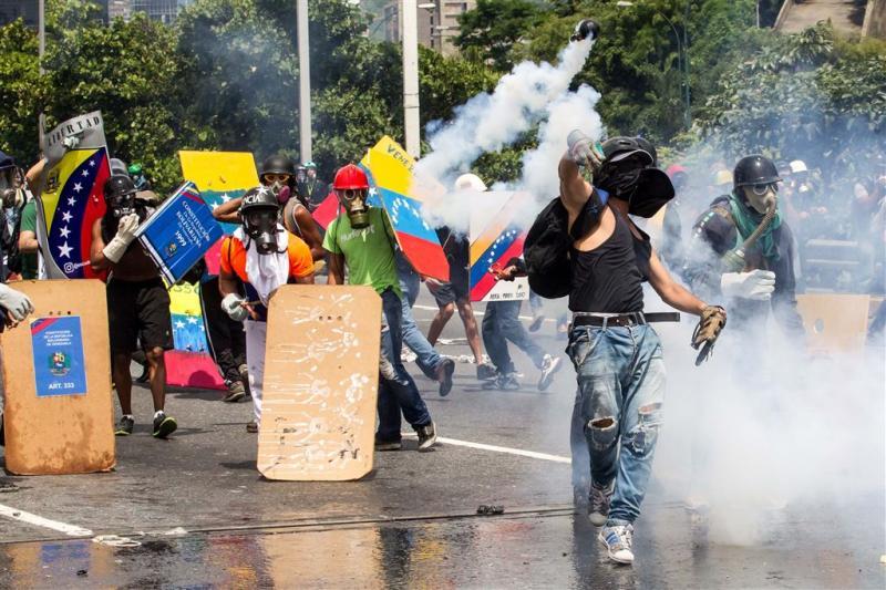 Maduro wil geweldplegers protesten bestraffen