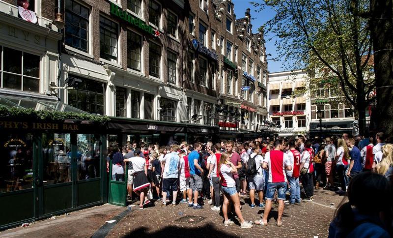 'Voetbalverordening' op Amsterdamse pleinen