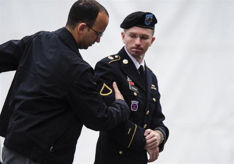 Klokkenluider Manning wacht vrijheid