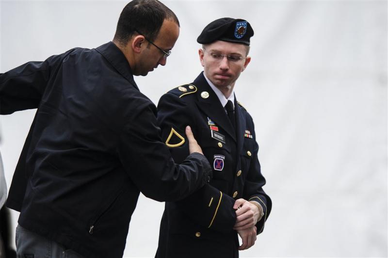 Klokkenluider Manning verlaat gevangenis