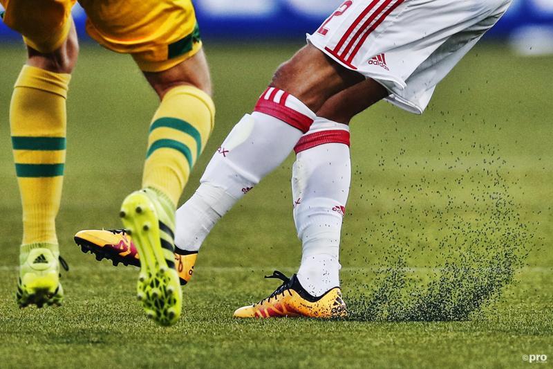 Aanvoerders Eredivisieteams willen af van spelen op kunstgras (Foto: Pro Shots/Stanley Gontha)
