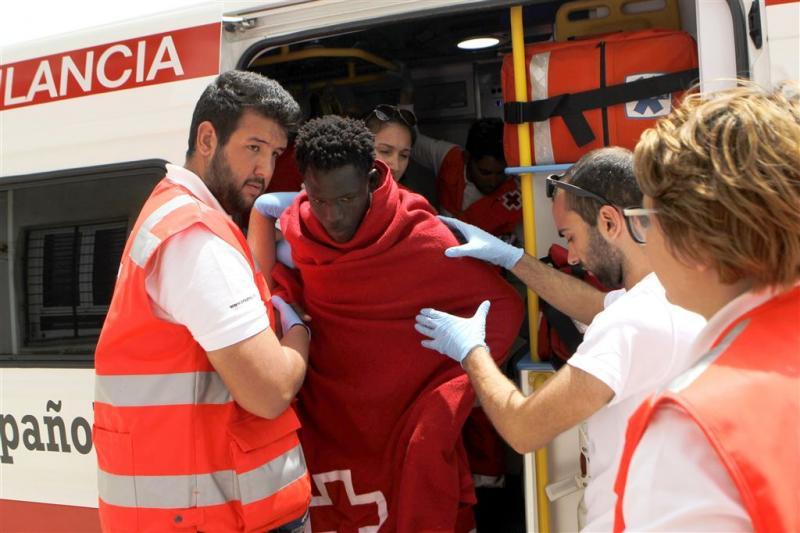 2300 migranten binnen etmaal op zee gered