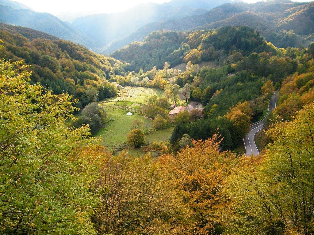 De renners rijden weer door een mooi gebied (Foto: Panoramio)