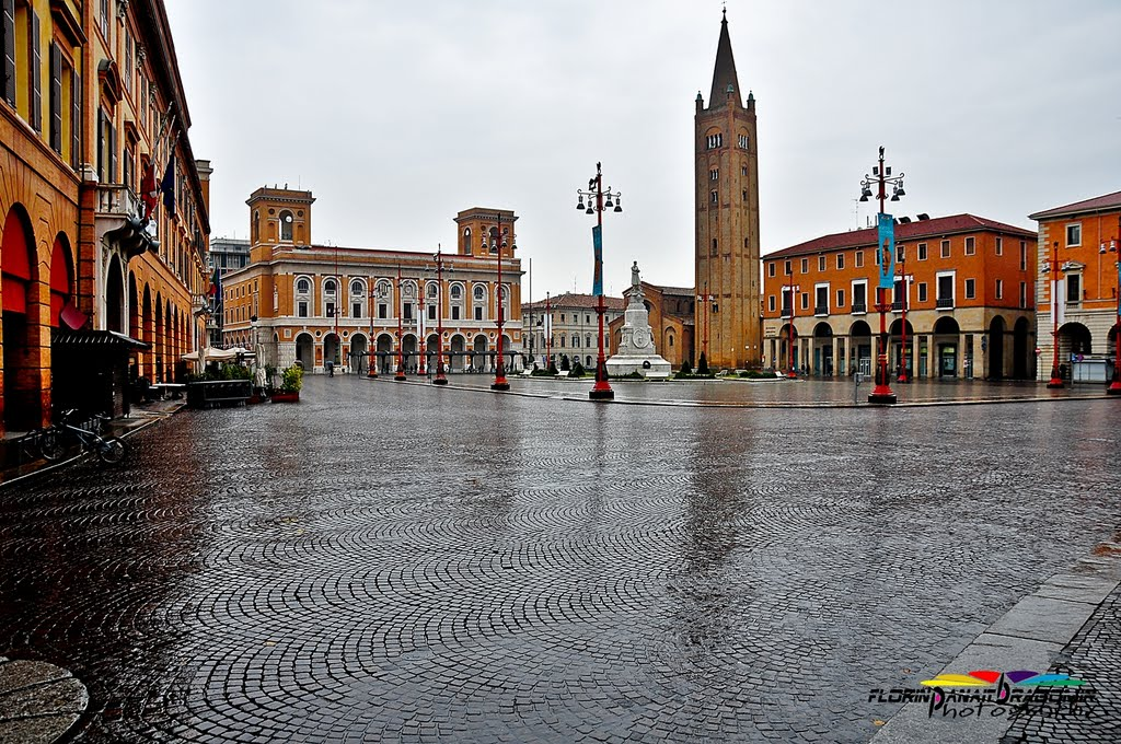 Een blik op het plein in Forli (Foto: Panoramio)