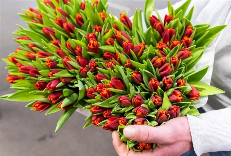 Moeders voor miljoenen in de bloemen gezet