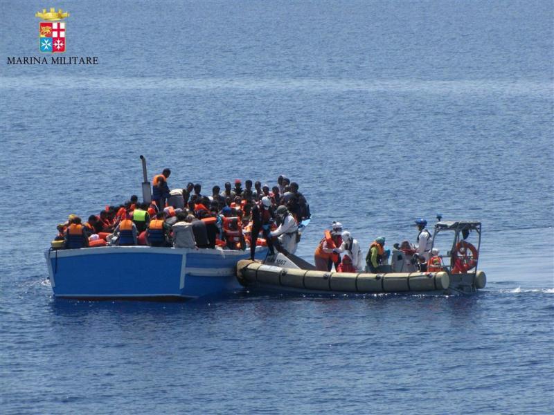 Italiaanse kustwacht redt weer 1500 migranten